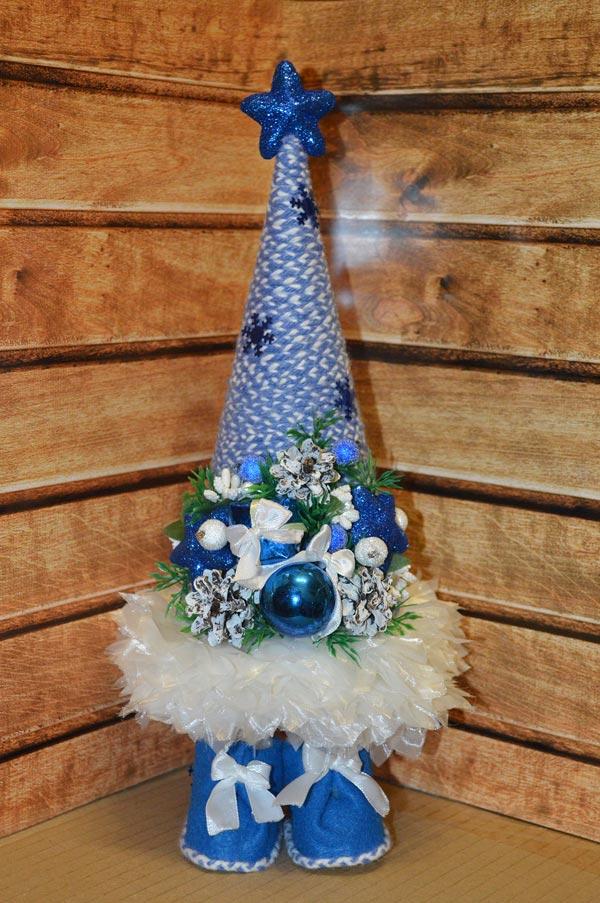В. Машенцева. Ёлочка в голубых оттенках. Топиарий, высота 30 см