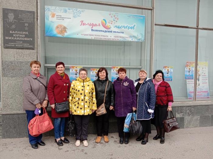 На выставке «Лавка мастеров» познакомились с рукодельницами из Камышина